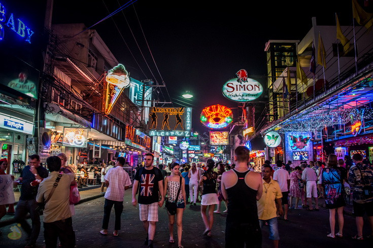 Pattaya_Night_Walking_Street-1